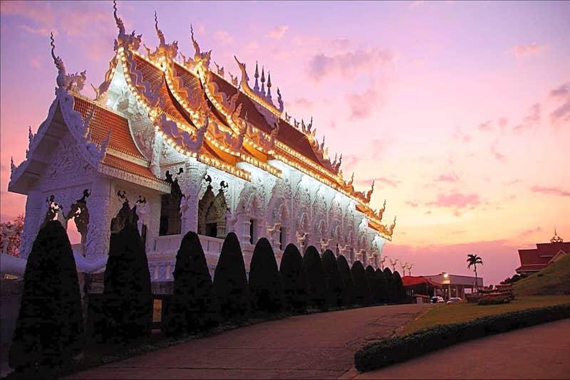 Chiang Rai Golden Triangle White Temple Tour